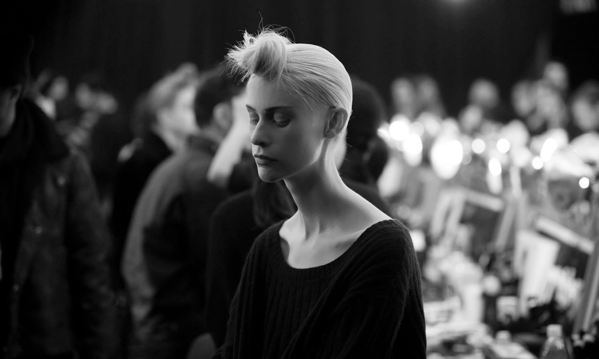 Backstage Beauty at the Marc Jacobs Fall Winter 2015 Show 7