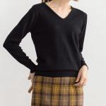 50代・60代女性に人気の大人かわいい服通販。春のコーディネート2021【ネックが選べるプレミアムカシミヤタッチニット】