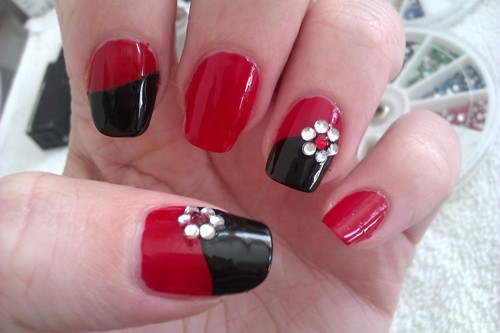 Easy Black And Red Bling Sand Nail Art Design You