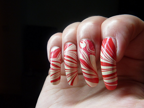 Red Cream Water Marble Nail Art This