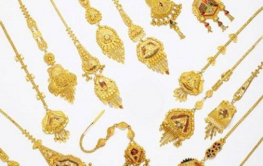 15 Latest Maang Tikka Jewellery Designs In Gold
