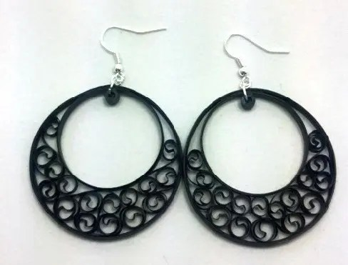 paper-quilling-earring-designs-quilling-earrings-in-hoops-design