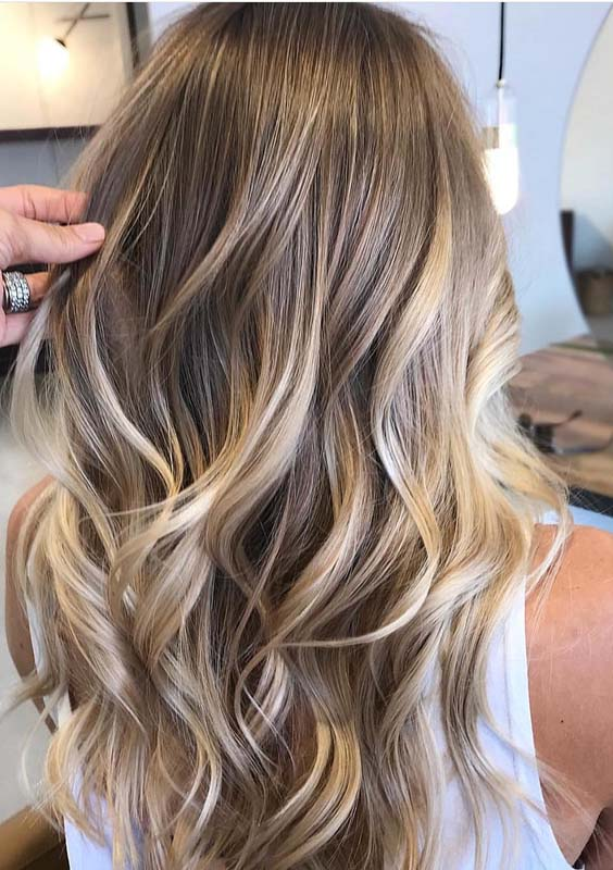 Natural Blonde Balayage Hair Color Trends You Must Try