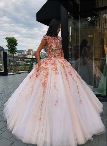 Unique Dresses Styles for Functions in 2019