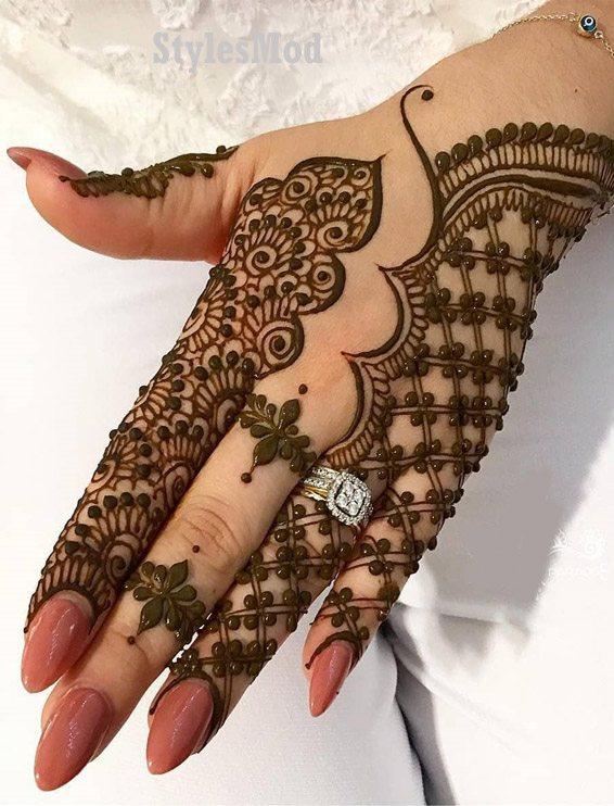 Gorgeous Henna Mehndi Style for Wedding Day In 2019