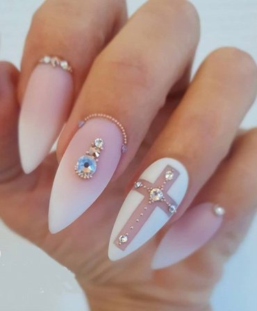 Stunning Nail Art Ideas & Looks for Ladies