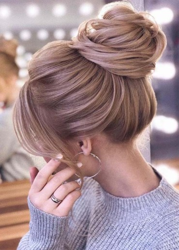 Perfect Styles Of Bun & Updos to Create in 2019