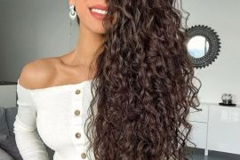 Super Cute Long Curly Hairstyles Trend In 2019