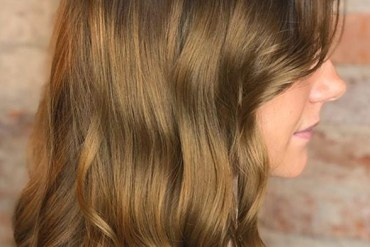 Golden Bronze Hair Colors to Show Off in Current Year