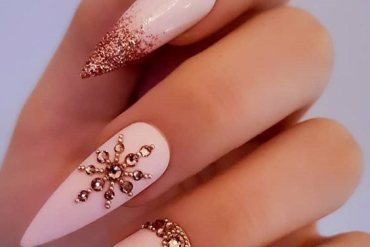 Good Looking Stiletto Nails Design for 2020