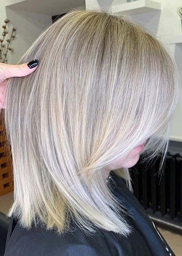 Smooth Straight Hairstyles for Women in Year 2020