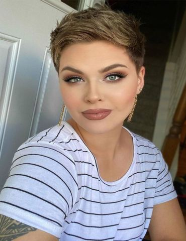 Gorgeous Rose Bronze Hair & Makeup Style to Try Now