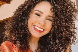 Pretty Curly Haircuts & Style for Adorable Look