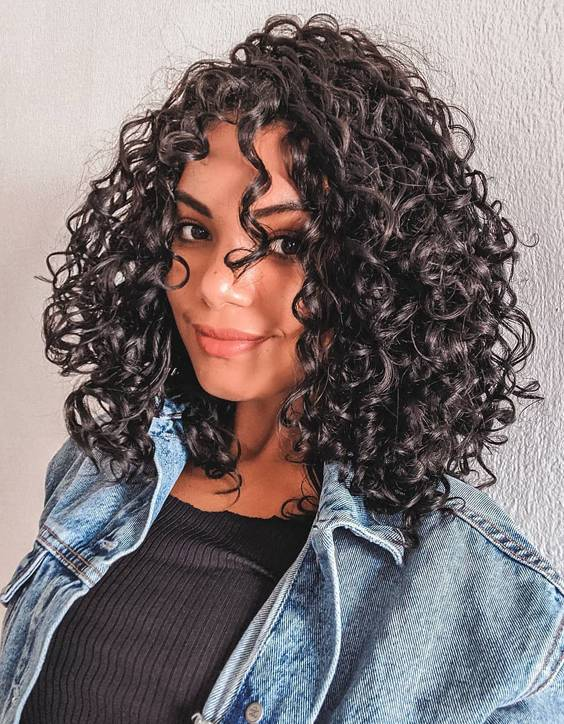 Adorable Style of Shoulder Length Curly Hair to Wear Now