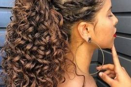 Most Stylish Look of Curly Hairstyles for 2020