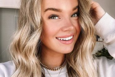 Fabulous Look of Blonde Hair Color for Medium Hair