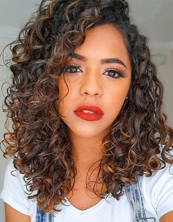 Unique Look of Curly Hair to Copy In 2020