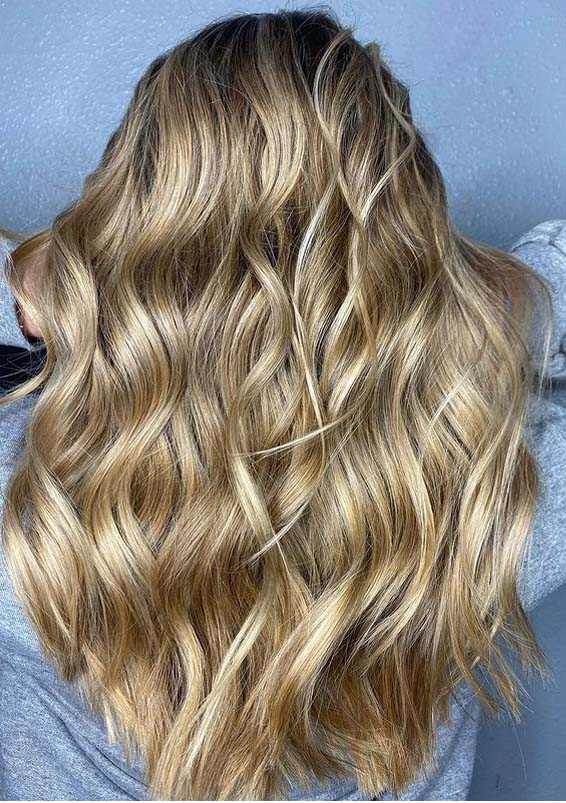 Dimensional Golden blonde Hair Color Ideas