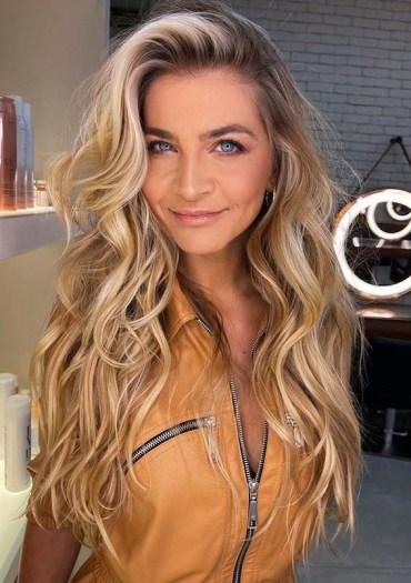 Amazing Golden Blonde Hair Color Ideas for Ladies