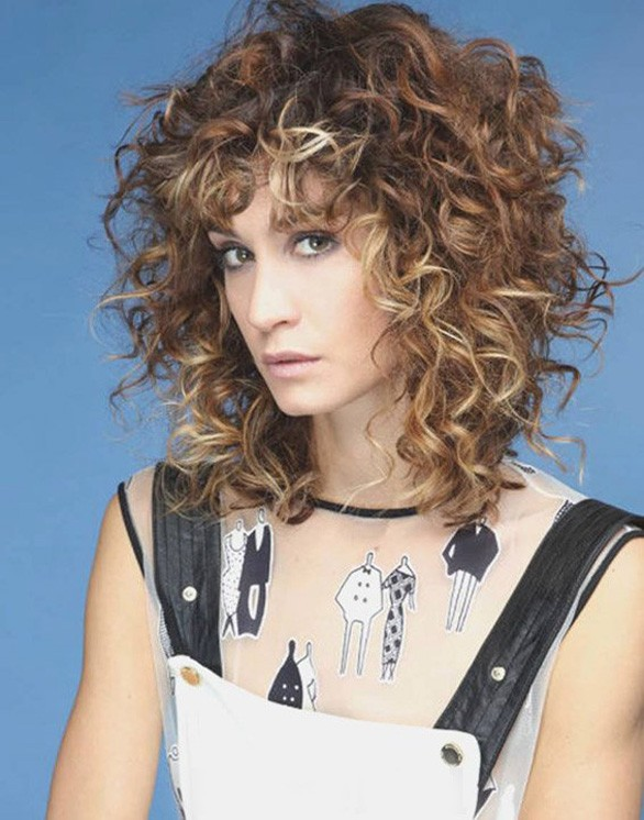 Short Curly Hairstyles and Haircuts for Special occasion