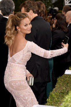 Chrissy Teigen-Golden-Globes-in-Zuhair-Murad