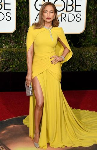 Jennifer Lopez at the 2016 Golden Globes in Giambattista Valli