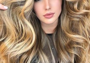 Gorgeous Honey Glow Blonde Highlights for Long Hair