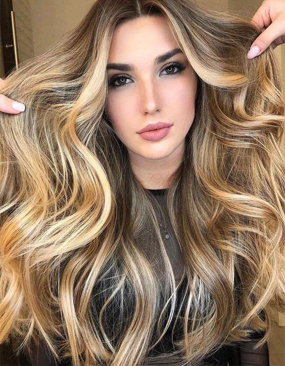 Gorgeous Honey Glow Blonde Highlights for Long Hair