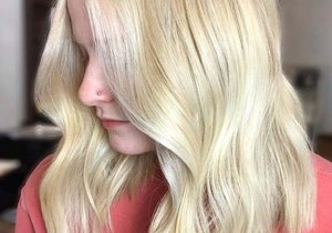 Medium Blonde Haircuts for Women