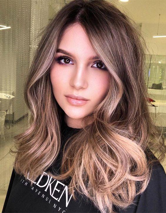 Stylish Beach Blonde Medium Hair Trends for 2020