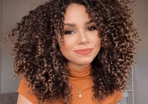Most Stunning Curly Haircuts for Medium Hair