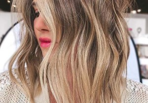 Gorgeous Medium Waves Haircuts for Women in 2020