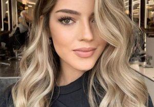 Incredible Style & Hair Highlights for Medium Hair