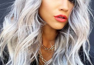 Stunning Long Hair styles with Platinum Blonde Shades
