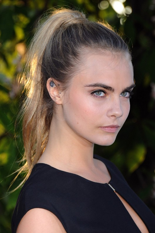Cara Delevingne Cute High Ponytail For Summer Styles Weekly