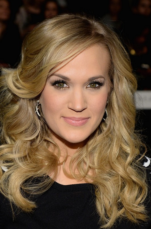 Carrie Underwood Long Blonde Curly Hairstyle For Thick