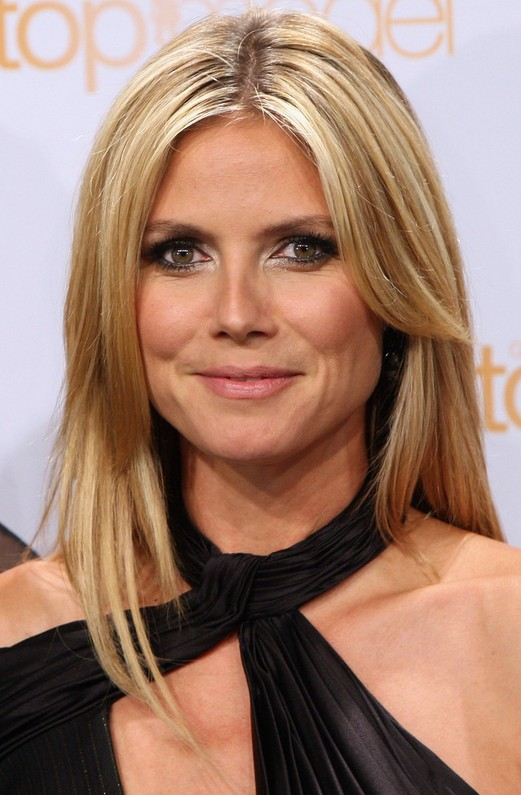 Heidi Klum Latest Bew Center Parted Blonde Straight