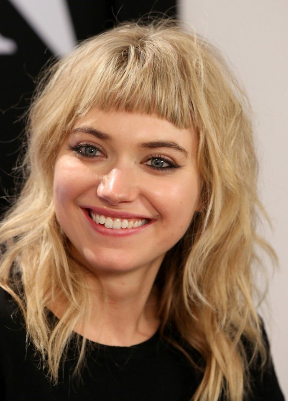 Imogen Poots Medium Wavy Cut With Bangs For Round Faces