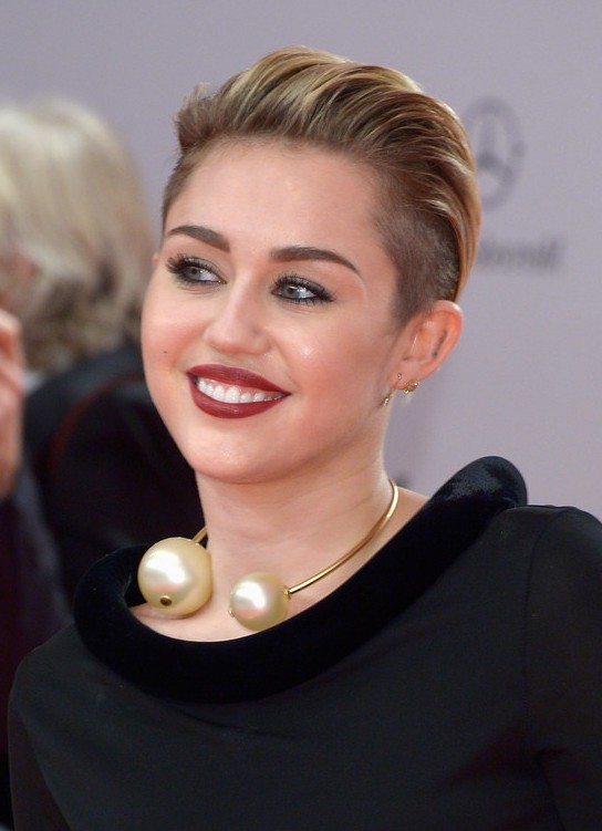 Miley Cyrus Short Straight Pull Back Haircut Styles Weekly