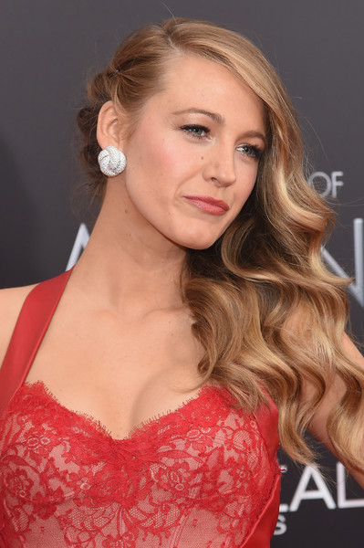 Blake Lively Side Swept Hairstyle