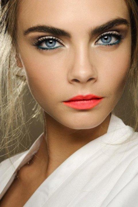 Cara Delevingne Tangerine Lipstick Makeup Look