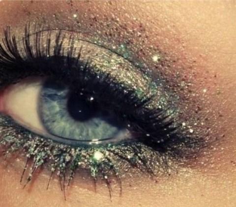 Lovely Shimmer Eye Makeup
