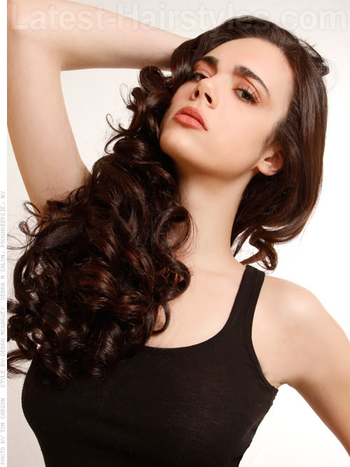 Fashionable Long Curls with Medium Layers