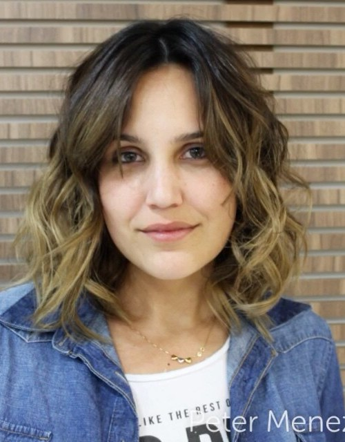 easy everyday hairstyles for shoulder length hair - the messy onbre mob