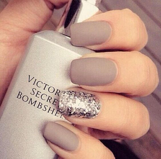 A Beautiful Shade Of Grey Is Neutral And Matte This Stylish Lady Has Painted All Her Fingernails