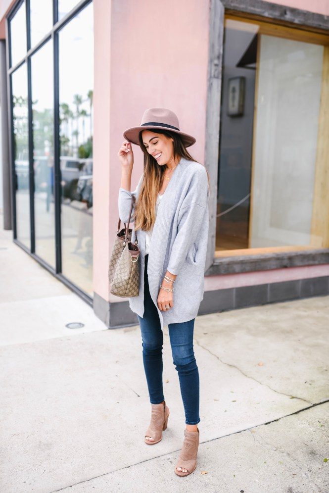 Goodnight Macaroon Grey Cardigan, dark wash skinny jeans, felt hat, fall fashion