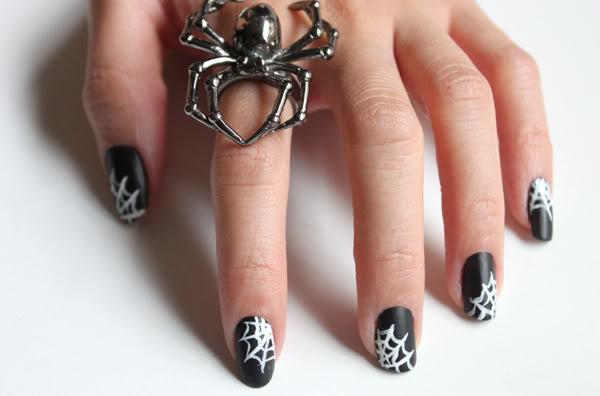 4 spiderweb nails - 30 Cool Halloween Nail Art Ideas