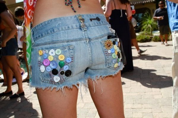 17 diy button pockets - 20 Cool DIY Shorts Ideas for Girls
