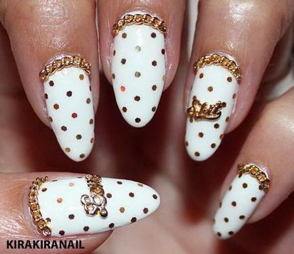 Golden Gliter Nail Art