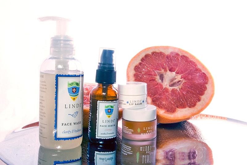 Lindi-Skin-Grapefruit-Style-Tomes